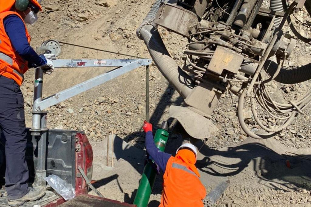 Servicio de Traslado y Monatje de acxeros de perforacion